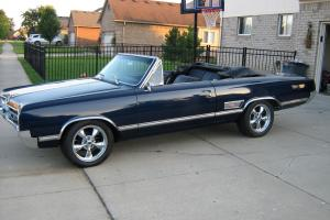 BEAUTIFUL RARE TRUE 1965 OLDS 442 -  400 V8 / 4 SPEED -MIDNIGHT BLUE- EX CLEAN !