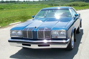 1976 Oldsmobile Cutlass Supreme Coupe 2-Door 5.7L