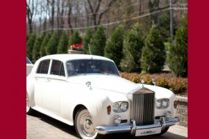 Luxury Rolls Royce Silver Cloud 3