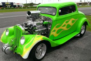 1933 Willys Street Rod loaded with AC, Blower, Fuel Injection, Radio full Custom