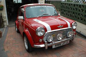 1998 ROVER MINI COOPER RED/WHITE NO RESERVE