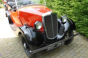 MORRIS 8 tourer Red body/Black wings