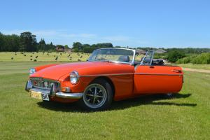 MGB ROADSTER 1972 LEATHER SEATS -12 MONTHS MOT-