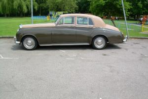 1956 BENTLEY S1 TWO TONE SAND/LATIMERE TAX MOT