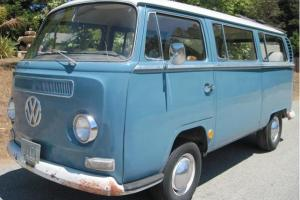 1968 VW Bay Window Deluxe