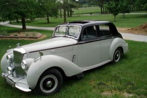 1953 Bentley R Type Saloon - Known History - Ready For The Road!