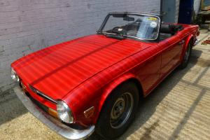 1975 TRIUMPH TR6 RED  Photo