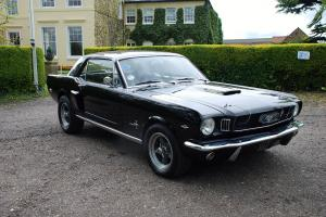 Hi Performance 302 - 1966 FORD MUSTANG AUTO BLACK (all Original and FAST)