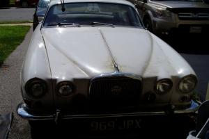 1963 JAGUAR 4 DR ( RIGHT HAND STEERING)