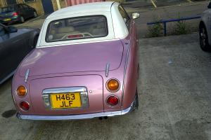 car nissian figaro