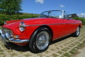 MG B Roadster Classic Car  Photo
