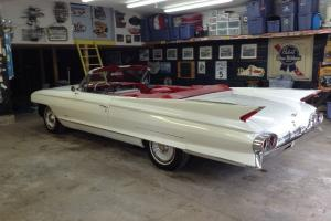 1961 CADILLAC DEVILLE COVERTIBLE WHITE  TOP EXCELLENT CONDITION