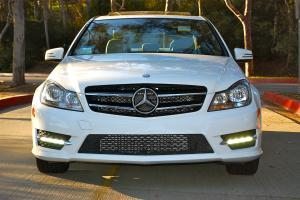 2013 Mercedes C250 white, great condition, must see
