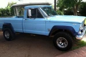Jeep Pickup J-200 Photo