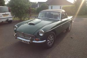 1977 MGB Roadster (soft top) V8 British Racing Green