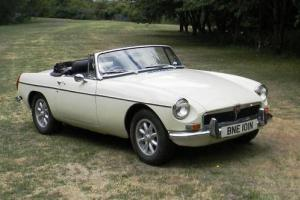 1974 MG B Roadster  Photo