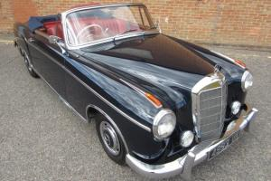 1960 MERCEDES 220SE PONTON  Photo