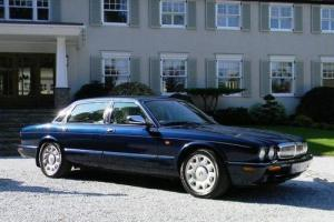 1998 Daimler Super V8 (LWB)  Photo