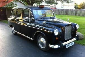 LONDON ENGLAND TAXI AUSTIN CONVENTRY COACHWORKS English Taxi Cab Original in USA