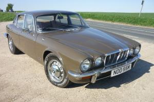 1973 JAGUAR 4.2 XJ6 AUTO. A time-warp example.