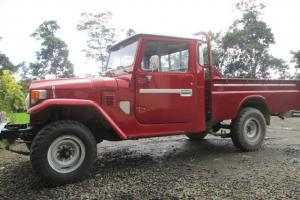 TOYOTA LAND CRUISER FJ45/ HJ45 *RARE DIESEL* PICK UP Photo