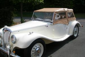 GENTRY KIT CAR CLASSIC MG TF REPLICA PROJECT - CREAM FINISH  Photo
