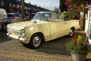 TRIUMPH HERALD 13/60 CONVERTIBLE 1969 TAX MOT JASMINE  Photo