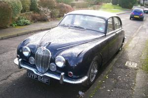 JAGUAR MK 2. 240 1968. MANUAL. WIRE WHEELS.  Photo