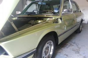 1979 BMW 520/6 E12 Automatic (Reseda Green)