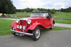 1952 MG TD2 RED CONVERTIBLE (Unleaded) FULLY RESTORED In stunning condition  Photo