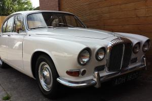 DAIMLER 4.2 SOVEREIGN 1969 outstanding condition  Photo