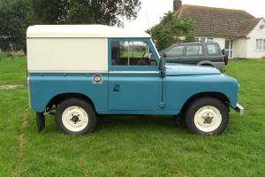 LAND ROVER 88 Photo