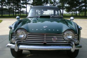 Triumph TR4A 1967 British Racing Green