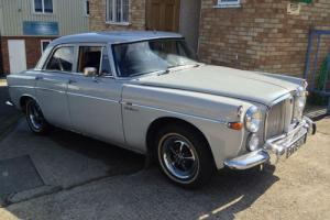 Rover P5 v8 3500 Petrol  Photo