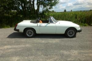 MGB Roadster 1977 White in very good condition  Photo