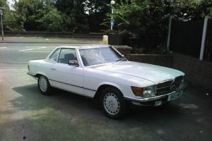 1984 MERCEDES 280 SL AUTO WHITE WITH BLUE HOOD AND WHITE HARD TOP