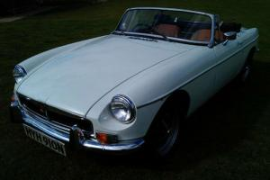 1974 MG MGB ROADSTER - 1 PRIVATE OWNER FROM NEW  Photo