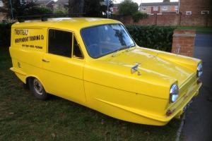 RELIANT REGAL SUPERVAN III, DEL BOYS VAN, ONLY FOOLS AND HORSES