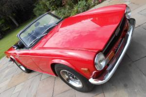 1972 TRIUMPH TR6 Pi RED 150bhp  Photo