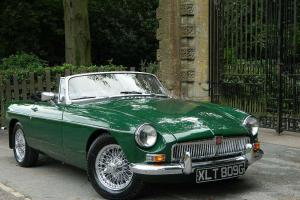 1968 MGB ROADSTER BRITISH RACING GREEN
