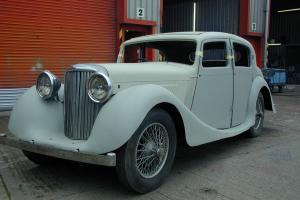 1939 JAGUAR SS 11/2 LITRE SALOON CAR  Photo