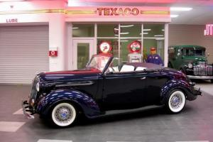 1937 Plymouth Cabriolet Street Rod