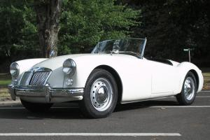 1961 MG MGA Roadster, 2 door,  restored, 4 speed, White, 61 sportster