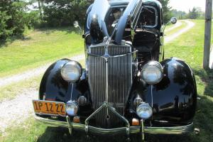 1936 Ford Deluxe Five Wondow Coupe