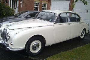 JAGUAR MK 11 2.4/240 Old English White
