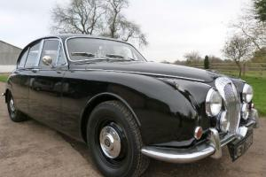 Daimler V8 250 - BEAUTIFUL CAR AND EXCELLENT VALUE