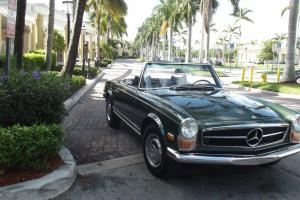 1970 MERCEDES BENZ 280SL. AUTOMATIC, TWO TOPS, LEATHER INTERIOR. SUPERB CAR!!!