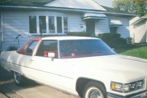 1976 Coupe Deville Cadillac White/Red Vinyl half top