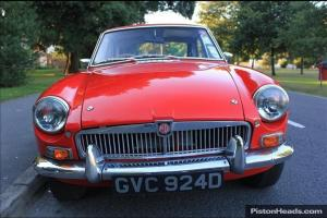 MG B GT RED (1966)  Photo