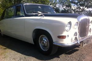 Daimler DS 420 Limousine Wedding car  Photo